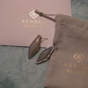 Kendra Scott Bexley Drop - Iridescent White
